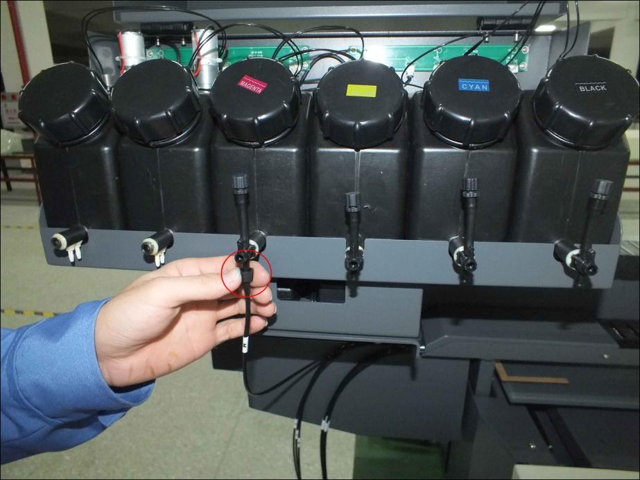 墨水桶連接管線