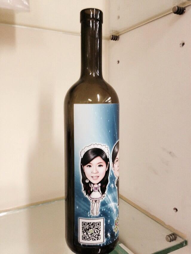 紅酒瓶印刷 數位UV印刷機 UV直噴酒瓶