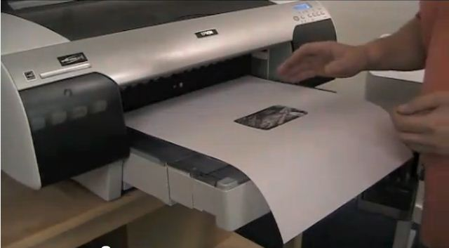 先使用熱昇華印表機列印圖案
